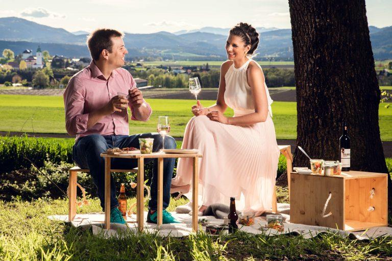 Picknick zu zweit in wunderschöner Natur der Region Mittelkärnten